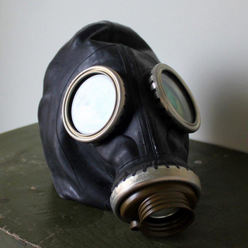 mascara de gas fetish control respiracion breath play sovietica negra foto real
